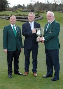 Captain and President presenting trophy Senior Scratch Cup